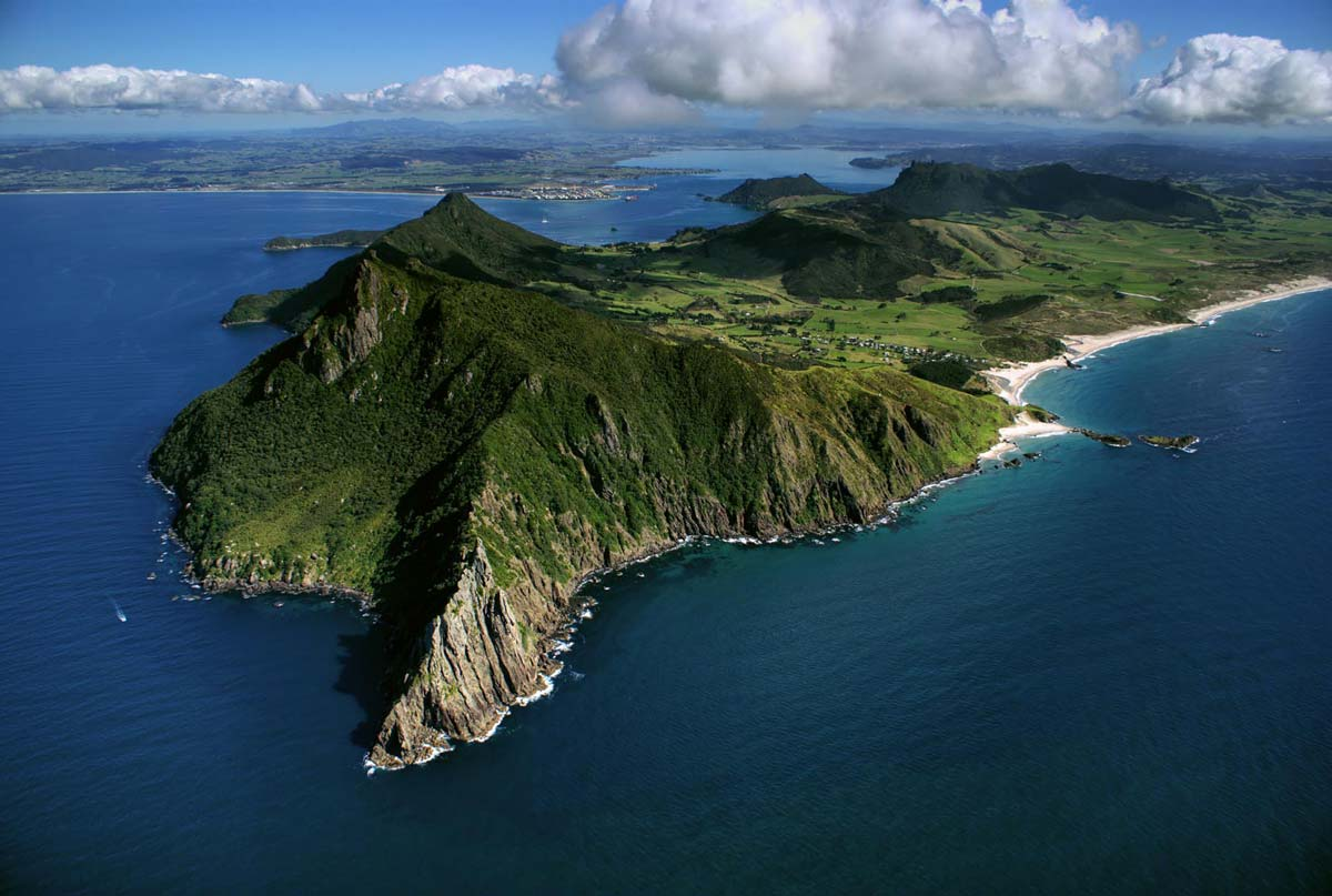 Top 10 Most Beautiful and Best Beaches In New Zealand